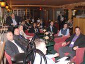 Membres de l'ICPC dans la salle de rencontre conviviale du Gibby's