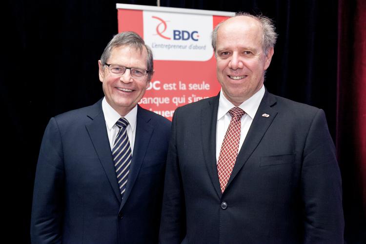 Jean-Ren Halde (g), Prsident et chef de la direction de la BDC; et Pierre Dumouchel, directeur gnral de l'TS